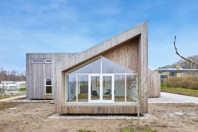 """L'""""Agritettura"""" si fa strada in Danimarca: la prima casa biologica fatta di scarti agricoli"""