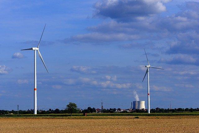 Rinnovabili vs nucleare: necessaria una scelta di campo