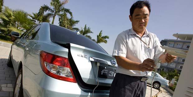 Le auto elettriche, autovetture e bus in Cina nel 2013
