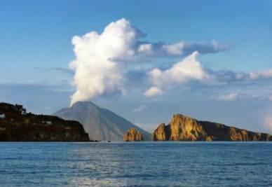 """Il vulcano Marsili """"potrebbe dare elettricità a tutta Italia"""""""