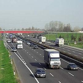 Ridurre i limiti di velocità in autostrada fa risparmiare carburante