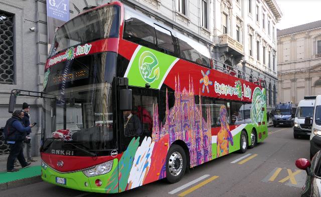 Mobilità turistica urbana: ecco il bus elettrico a due piani