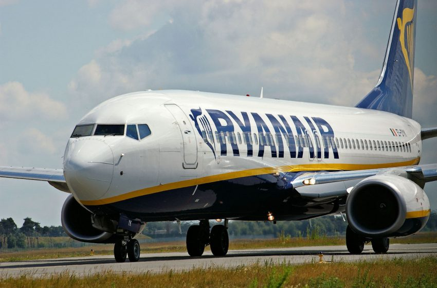 Ryanair, voli più lenti per risparmiare carburante