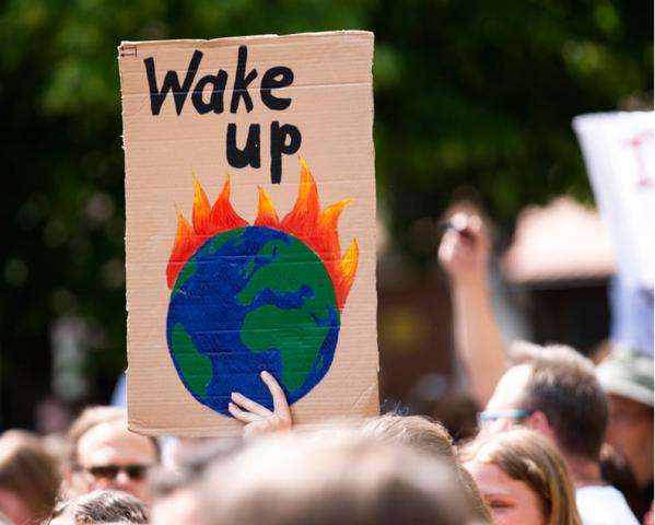 La sfida climatica da vincere su più fronti: quali leve sono necessarie per decarbonizzare