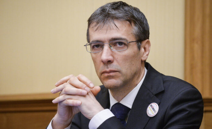 "Girotto (M5S): ""basta gas, a Torrevaldaliga si facciano le rinnovabili"""