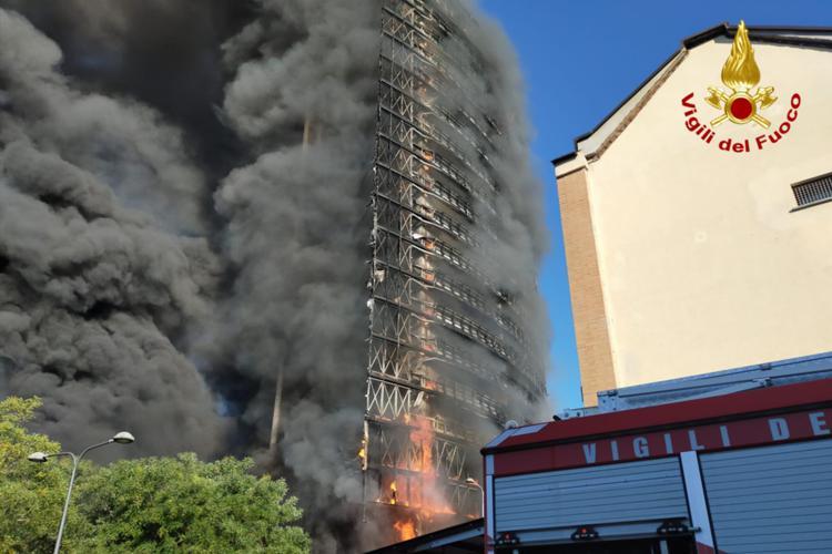 Incendio Milano: Sì a calce e canapa e pompe di calore, No a cappotti fossili e caldaie